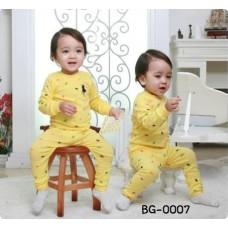 BG0007 ชุดเสื้อคอกลมแขนยาว และกางเกงขายาว ลายโปโล สีเหลือง