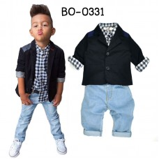 BO0331 ชุดสูทเด็กผู้ชาย เสื้อเชิ๊ตลายตาราง เสื้อสูทสีกรมท่า และกางเกงยีนส์สีฟ้า (3ชิ้น)