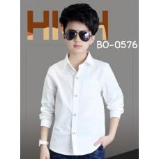 BO0576 เสื้อเชิ๊ตเด็กผู้ชาย คอปกแขนยาวแต่งกระเป๋าที่อกซ้าย สีขาวออฟไวท์ (Off-white)