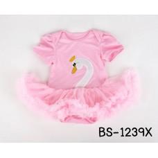 BS1239X << สินค้ามีตำหนิ >> ชุดบอดี้สูทแฟนซี เด็กผู้หญิงแขนสั้น ลายหงส์ กระโปรงฟูฟ่องสีชมพู S.6-12 เดือน