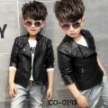 CO0193 แจ็คเก็ตหนังเด็กผู้ชาย แขนยาวแต่งหมุดและซิปเทห์ๆ สีดำ