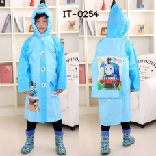 IT0254 ชุดกันฝนเด็ก พร้อมฮู้ดเป่าลม แขนยาว มีช่องใส่เป้ด้านหลัง ดิสนีย์ ลายโทมัส สีฟ้า S.120