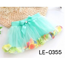 LE0355X << สินค้ามีตำหนิ >> กระโปรงเด็กผู้หญิง ด้านในกระโปรงใส่กลีบกุหลาบหลากสี สีเขียวมิ้นท์ S.100