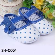 SH0054 รองเท้าหัดเดินเด็กเล็ก Pre-Walker สีขาวสายคาดลายจุดน้ำเงิน S.12cm.