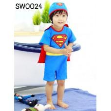 SW0024 ชุดว่ายน้ำเด็กผู้ชาย แบบบอดี้สูท แขนขาสั้น ผ้าคลุม (ถอดออกได้) ลายซุปเปอร์แมน พร้อมหมวก (2ชิ้น) S.90/110