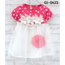 GI0423 เดรสเด็กผู้หญิง ออกงานแขนสั้น สีชมพูเข้ม ลายจุดด้านบน แต่งดอกไม้ที่อก 3 ดอก กระโปรงพริ้วๆ สีขาว